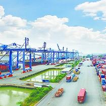 [Chart] Vietnam Posts Biggest Trade Surplus in 10 Years