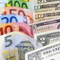 """Đồng USD tăng giá so với yen Nhật, nhưng """"đầu hàng"""" trước euro"""