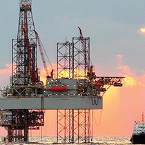 Giá dầu nằm đáy 5 tuần do Mỹ tăng hoạt động khai thác