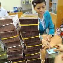 Financial Watchdog Warns of Liquidity Stress in Vietnam's Banking System