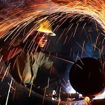 Chỉ số PMI của Việt Nam trong tháng Năm thấp nhất trong 14 tháng