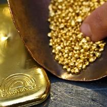 Giá vàng quay đầu tăng trước khi Fed nâng lãi suất