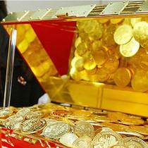 Dù giảm trong tháng Sáu, giá vàng vẫn tăng 8% từ đầu năm