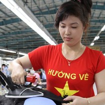IMF Lowers 2017 GDP Growth Forecast for Vietnam, Warns of Downside Risks