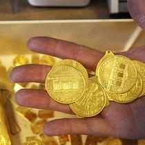 Thất bại chính trị của Tổng thống Trump đẩy giá vàng tăng liền 3 phiên