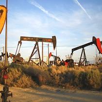 Giá dầu trở đầu tăng sau 3 phiên xuôi dốc