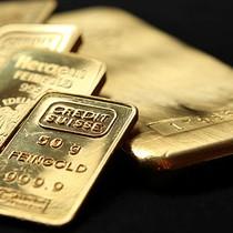 Đồng USD phục hồi đẩy giá vàng lùi khỏi đỉnh 3 tháng