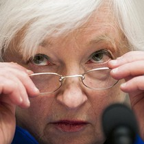 """Giá vàng giảm trước thềm cuộc họp của các """"tay chơi lớn"""" ngân hàng"""