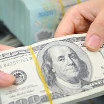 Đồng USD hãm đà giảm sau thỏa thuận về trần nợ công