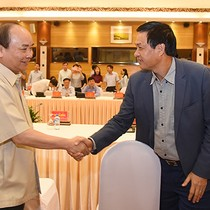 [Round-up] Vietnam PM Meets with Top Private Firms, More Vietnamese Favor E-Payments