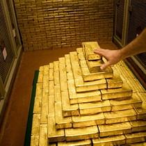 Đồng USD vẫn sung sức, giá vàng giảm 3 phiên liên tục