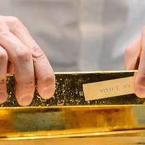 Giá vàng giảm mạnh về mức thấp nhất hơn 1 tuần