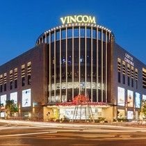 Vietnam's Top Mall Operator Gets Okay to List Shares Next Month