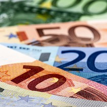 """Đồng euro """"sảy chân"""" khi giới đầu tư e ngại tình hình chính trường Đức"""