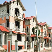 Sour Loans for Real Estate in Vietnam Fall to 4%: Central Bank