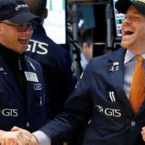 Chỉ số Dow Jones lần đầu vượt mốc 24.000 điểm, tăng dài nhất trong 22 năm