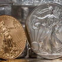 Giá vàng giảm nhẹ khi đồng USD phục hồi