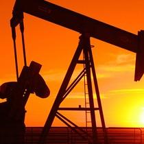 Giá dầu Mỹ trượt nhẹ trước thềm báo cáo tồn kho