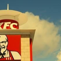 """[Infographic] Gần 20 năm, """"kẻ tiên phong"""" KFC làm được những gì tại Việt Nam?"""