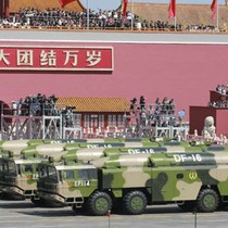 """Trung Quốc phô trương vũ khí mới sau phán quyết """"đường lưỡi bò"""""""