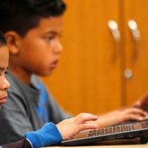 Thiếu niên nhà giàu và nghèo dùng Internet khác nhau thế nào?