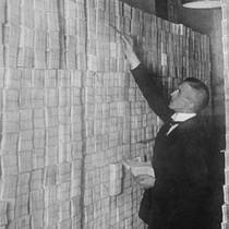 Những quốc gia từng đốt tiền sưởi ấm, coi tiền như rác