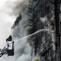 Vì sao không dùng trực thăng chữa cháy?