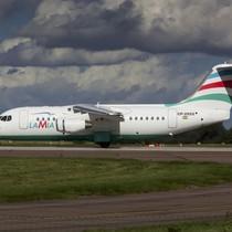 Máy bay chở câu lạc bộ bóng đá Brazil vỡ nát tại hiện trường