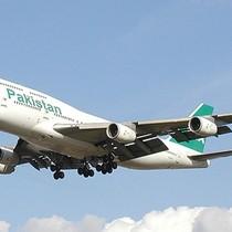 Máy bay chở hơn 40 người rơi ở Pakistan
