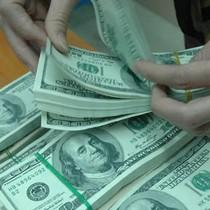 Tỷ giá ngoại tệ ngày 8/12: USD bất thường, thông tin nhiễu loạn