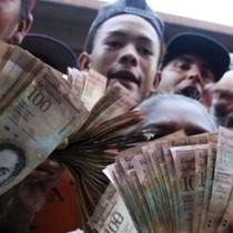Venezuela hỗn loạn vì đổi tiền