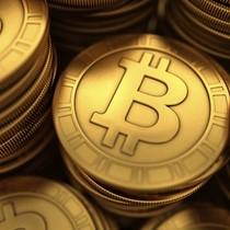 Tiền ảo bitcoin chạm mốc 1.000 USD - cao nhất trong ba năm