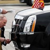 Vì sao Donald Trump không được trang bị xe bọc thép mới?