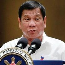 """Duterte chỉ trích Mỹ vì ép thực thi phán quyết """"đường lưỡi bò"""""""