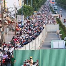 Cửa ngõ Sài Gòn kẹt cứng do thi công hầm chui