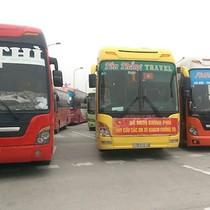 Gần 50 ôtô rồng rắn trên cao tốc phản đối lệnh chuyển bến của Hà Nội