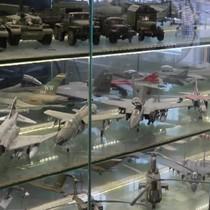 [Video] Hơn 200 máy bay chiến đấu mô hình của trung tá không quân