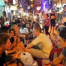 """<span class='bizdaily'>BizDAILY</span> : """"Bản sắc"""" phố Tây Sài Gòn và câu chuyện dẹp loạn hàng quán vỉa hè"""