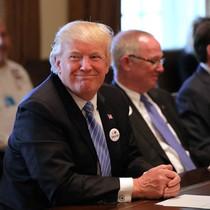 Ông Trump sắp ra sắc lệnh xem xét lại 14 hiệp định thương mại