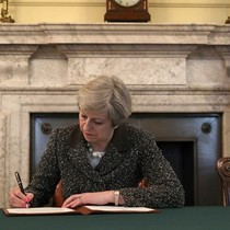 Thủ tướng Anh chính thức kích hoạt tiến trình rời EU
