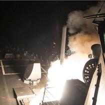 Mỹ dọa sẽ tiếp tục tấn công và trừng phạt kinh tế Syria
