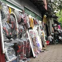Dãy phố hàng rộng 1m2 tồn tại 40 năm giữa Hà Nội