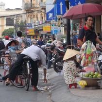 Tái lấn chiếm vỉa hè ở TP.HCM