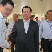 Xem xét xử lý cán bộ cấp công văn xin cho ông Vũ Huy Hoàng vào khu vực cách ly sân bay