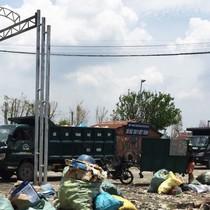 """Sài Gòn """"gánh"""" rác lậu: Hé lộ đường dây bảo kê"""