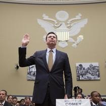 Vì sao giám đốc FBI không thề trung thành với Trump