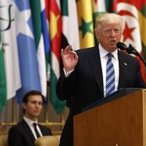 Bài phát biểu lay động thế giới Hồi giáo của ông Trump