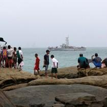Cuộc tìm kiếm 122 người trên máy bay rơi của Myanmar