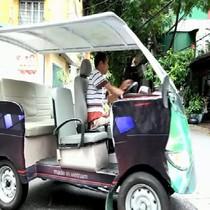 [Video] Người khuyết tật làm ôtô 2 động cơ ở Hà Nội