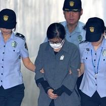 Bạn thân cựu tổng thống Park Geun-hye lĩnh án tù